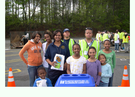 DeKalb Tech - Phi Theta Kappa Volunteers at the 2008 Dump-It-Right Day Event